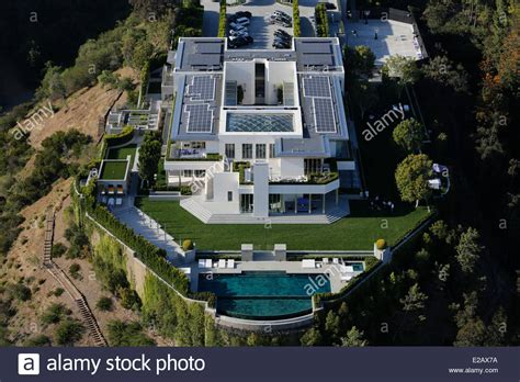 buy house hollywood hills united states california los angeles hollywood hills luxury houses stock photo