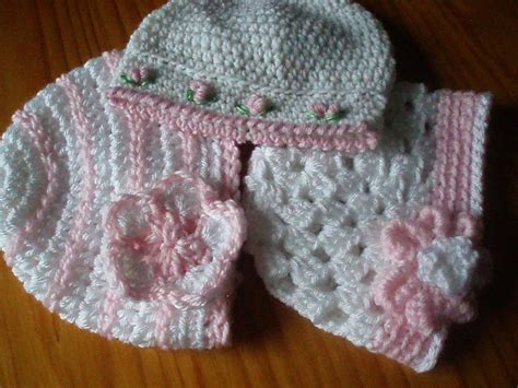 a trio of pretty baby hats free pattern by jenny peters craftsy