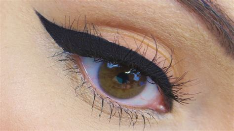 perfect winged eyeliner tutorial youtube how to perfect winged eyeliner tutorial new strokes