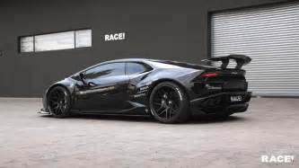 Lamborghini Races Liberty Walk Lamborghini Huracan By Race