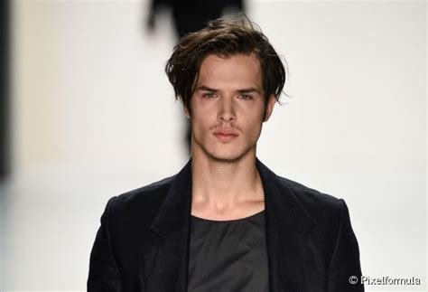 2015 center part side part must try spring 2015 hairstyle trends for men