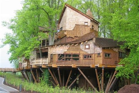 the ten top tree house top 10 spectacular tree houses in the world amazing treehouses