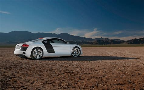 white audi r8 wallpaper white audi r8 wallpaper image 387