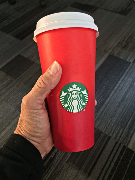 war  christmas starbucks customers complain  red holiday cups