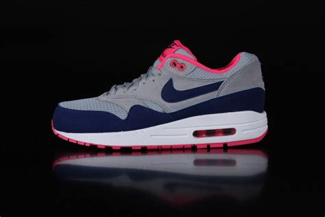 Nike Airmax One nike airmax 1 essential sneakers wmns light magento grey