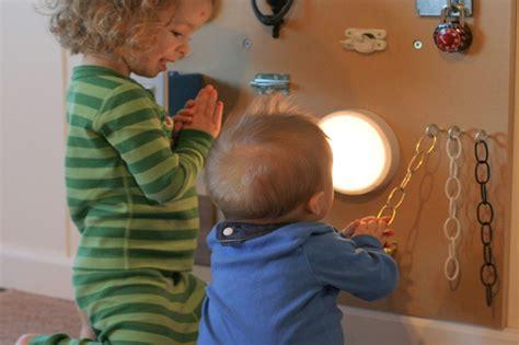 giochi per costruire giochi sensoriali per bambini 10 idee fai da te da costruire