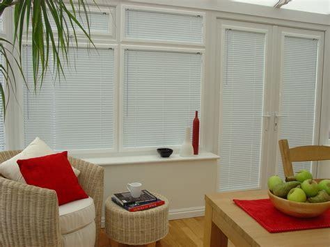 jaloezieen in kozijn horizontale jaloezie 235 n voor kunststof ramen en kozijnen