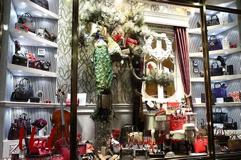 best christmas store nyc best window displays from departments stores in nyc