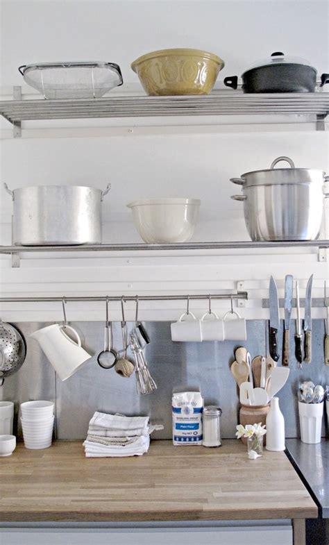 Rak Untuk Dapur tips menata dapur anti sumpek rumah dan gaya hidup