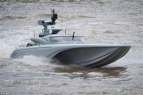 Drone Buat royal navy test unmanned drone on the river thames daily mail