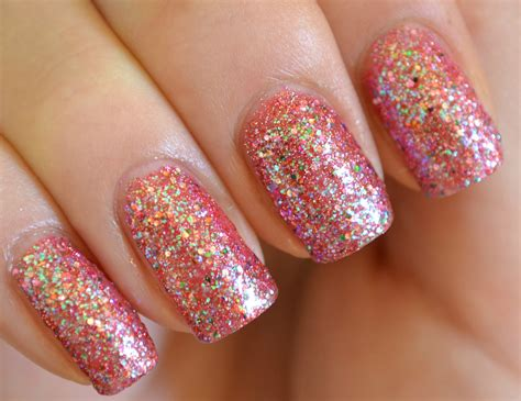 Glitter Nail by 20 Beautiful And Trndy Sparkling Nail Ideas
