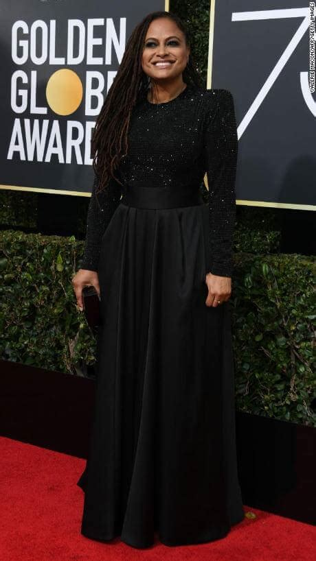 Goes For Black Accessories The Awards by Goes Black On The Golden Globes 2018 Carpet