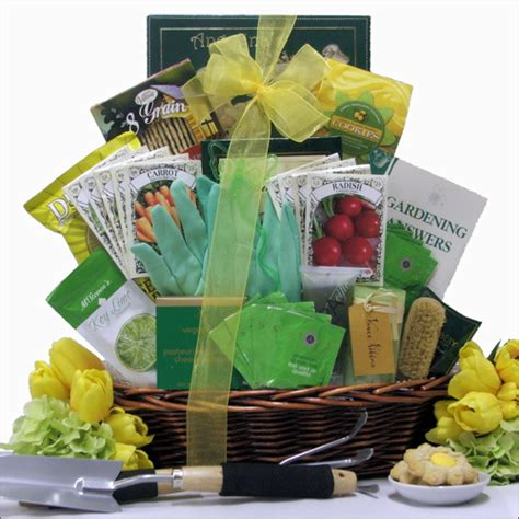 Gift Basket Ideas For Gardeners Gardening Gift Baskets Gardener S Delight
