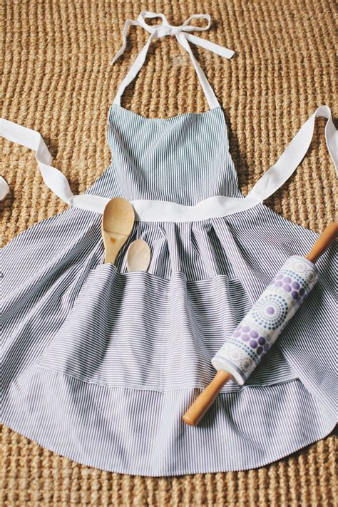 apron tutorial video diy hostess apron patterns fabrics and apron tutorial