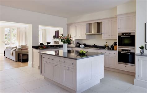 smallbone kitchen cabinets smallbone of devizes hand painted kitchen collections