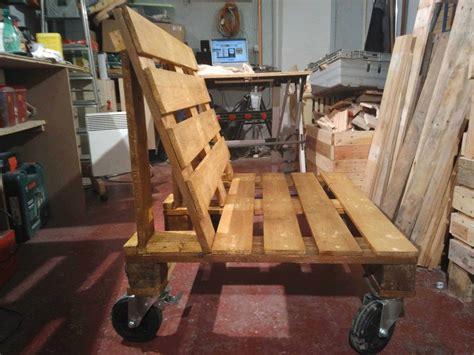 Entryway Organization Furniture Pallet Bench On Wheels 1001 Pallets