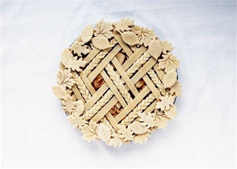 leaf pattern for pie crust decorative pie crust tips flourish king arthur flour