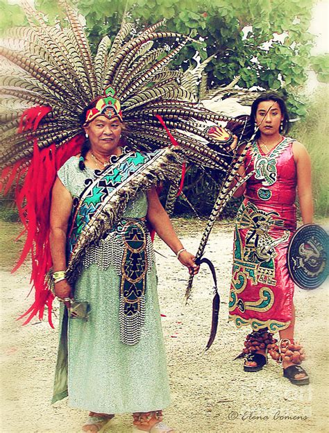 ancient aztec clothing for www imgkid the