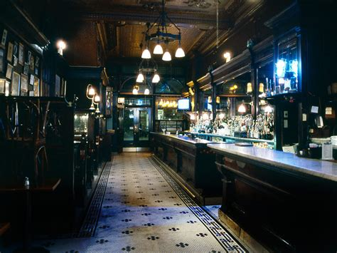top bars in soho nyc 14 top new york city chefs name their favorite dive bar