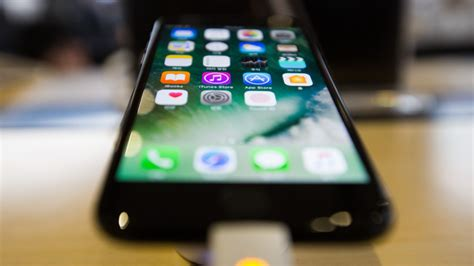 diodes inc businessweek new iphone screen puts blue spotlight on japanese supplier bloomberg