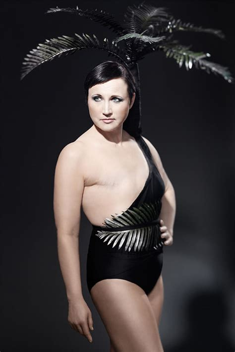 swing style frauen brave breast cancer survivors model in swimsuits created