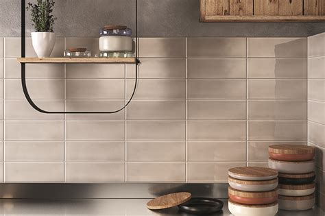 italian porcelain subway backsplash decobizz com 75 kitchen backsplash ideas for 2018 tile glass metal etc
