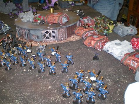 warhammer 40k tabletop game vs dawn of war pc game armor