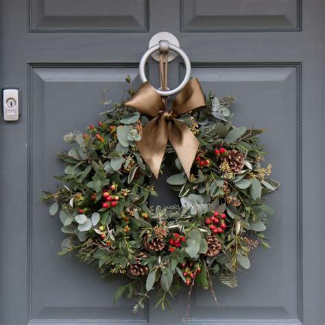 pin van  williams op wreaths  greenery kerst
