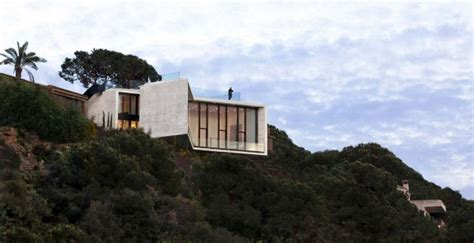 cliff side houses 10 fearsome cliff side houses with amazing views