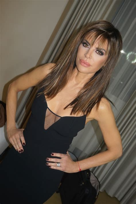 how has lisa rinna gotten so thin lisa rinna shows off her fit frame in lacy black bikini