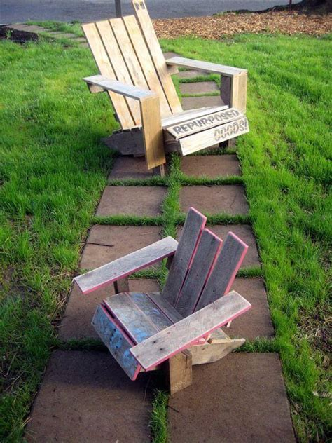 Adirondack Chairs Diy by Diy Repurposing Pallet Adirondack Chair