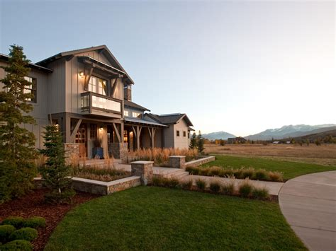 hgtv homes hgtv dream home 2012 front yard pictures and video from
