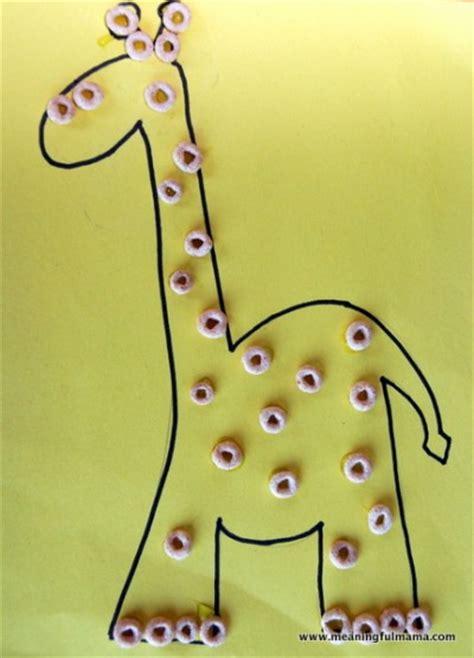giraffe crafts for cheerios giraffe family crafts