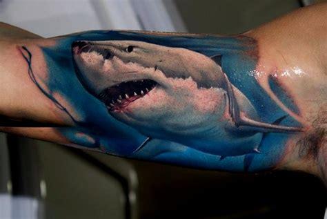 las 33 mejores ideas de tatuajes de tiburones hombre mujer