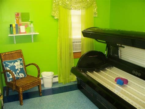 the tanning room i will a tanning bed room home sweet home
