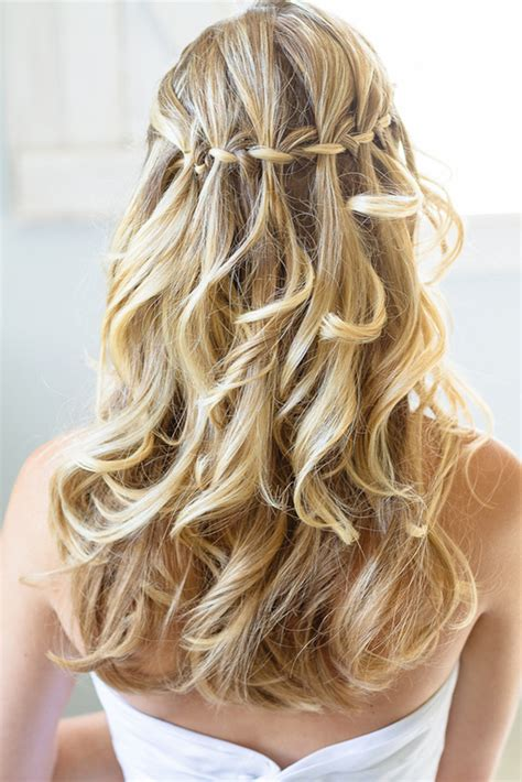Simple Wedding Hairstyles With Braids by Top 5 Simple Wedding Braid Updos Waterfall Weddingelation