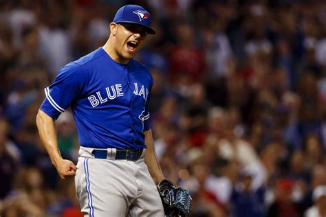 blue jays closer roberto osuna history in sophomore