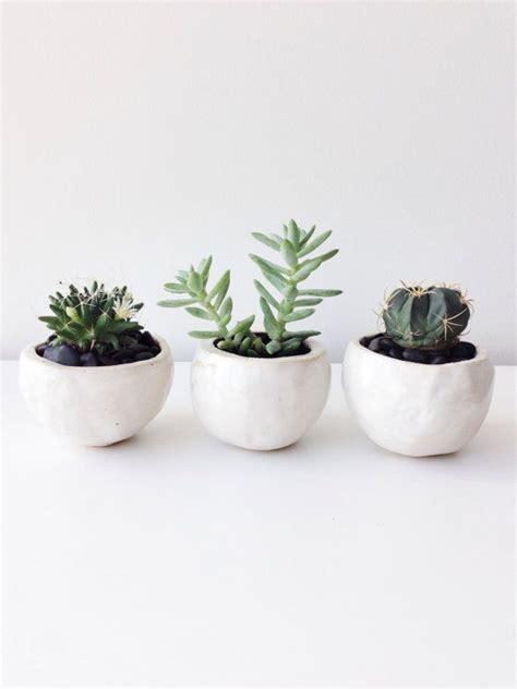 white pot 3 white planter balls m set quot milky white quot planter pot
