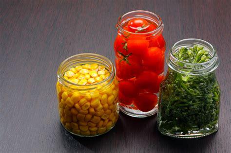 alimenti a rischio botulino conserve sicure tutti i consigli per evitare il rischio