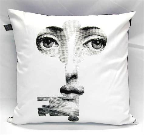 cuscini fornasetti i design low cost 5 pezzi di design a meno di 100