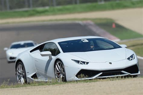 Lamborghini Track Lamborghini Huracan On Track Photo Gallery Autoblog