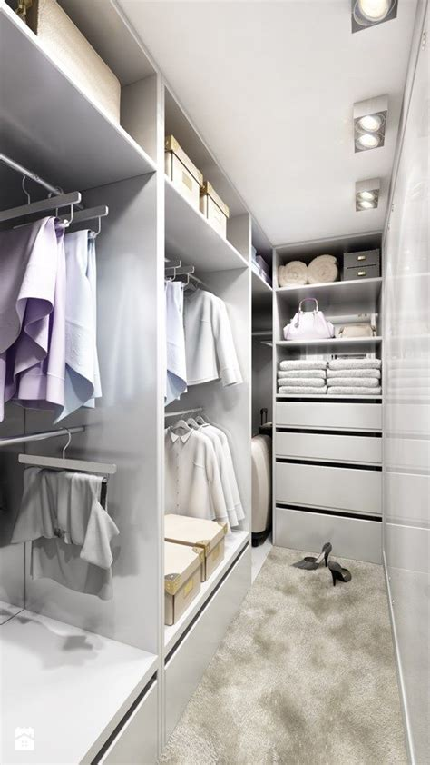 Walk In Linen Closet Design by 946 Best Images About Walk In Wardrobes On