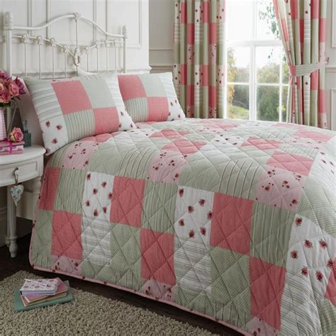 Quilted Patchwork Bedspreads - pink green patchwork quilted bedspread tonys textiles