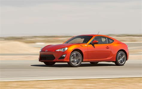 2013 scion fr s front three quarter in motion photo 15