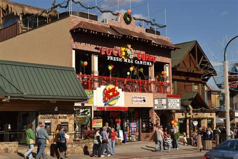 Cabins In Gatlinburg Tn To Downtown by 4 Benefits Of Staying At Gatlinburg Cabins Near The