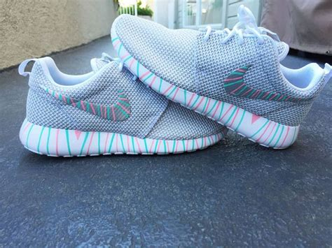 Sepatu Sneaker Kets Unisex Shoes Unisex Roshe 702 best images about shoes on nike