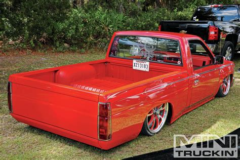 bagged nissan hardbody photo 17