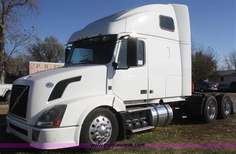 2009 volvo truck 2009 volvo vnl64t 670 semi truck no reserve auction on