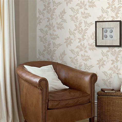 Discount Home Decor Uk by Superfresco Ruby 18931 Wallpaper