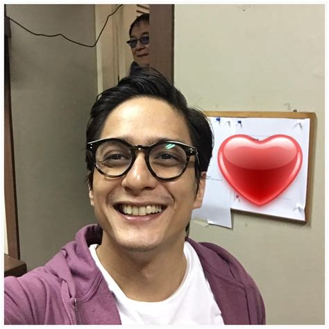 ryan agoncillo hairstyle ryan agoncillo hairstyle look 11 celeb dads and their